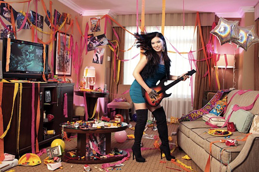 Annie Leung sets Guitar Hero Guinness world record
